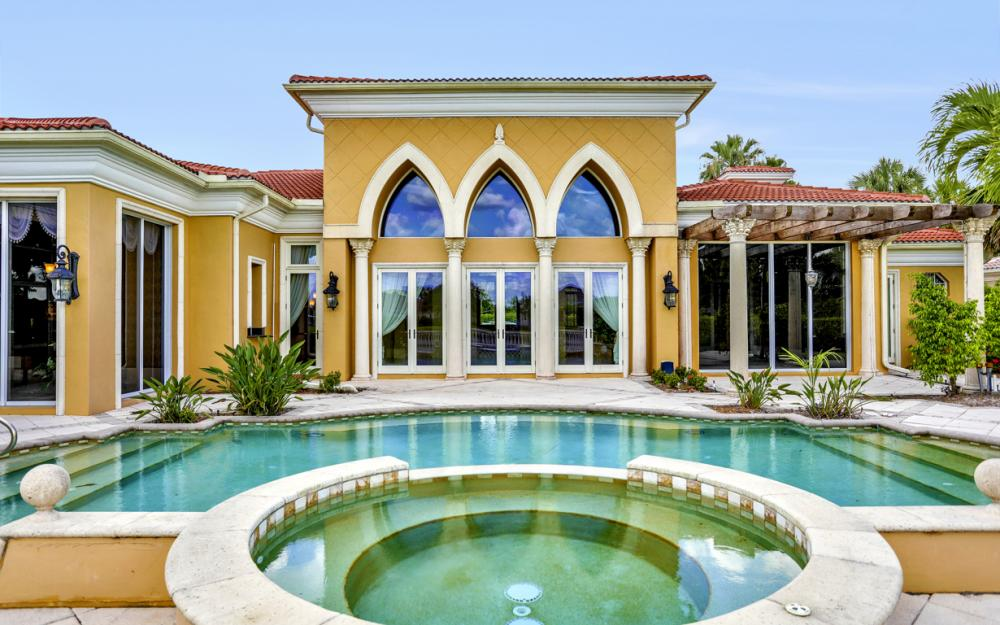 6423 Highcroft Dr, Naples - Home For Sale 137836606