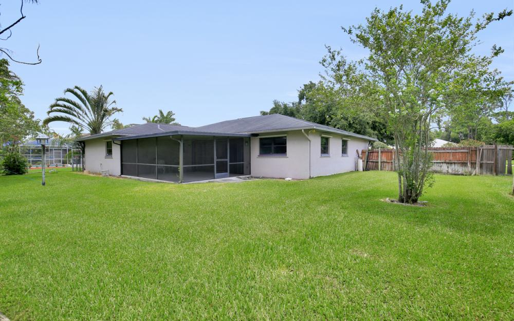 2217 Treehaven Cir, Fort Myers - Home For Sale 1145753331