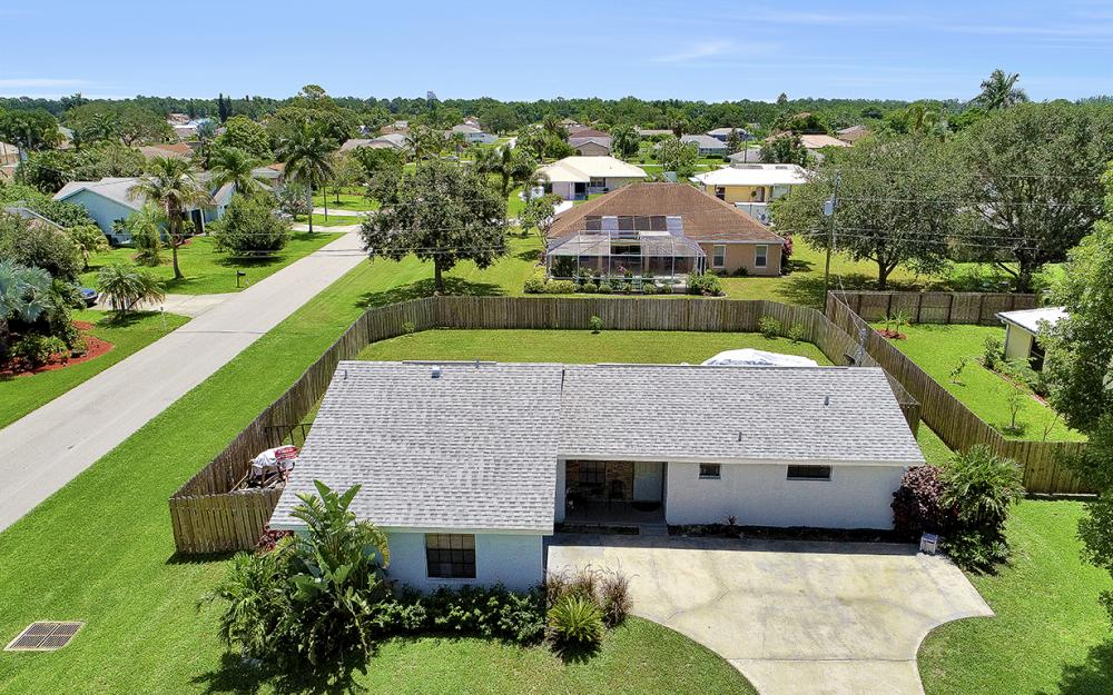 1203 SE 21st Ave, Cape Coral - Home For Sale 243540147