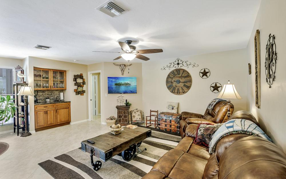 1749 Dogwood Dr, Marco Island - Home For Sale 286270382