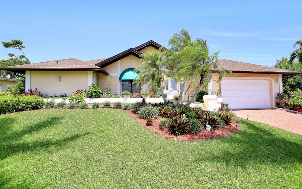 1749 Dogwood Dr, Marco Island - Home For Sale 1034777202