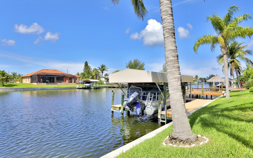2200 SW 49th Ter, Cape Coral - Vacation Rental 2103052077