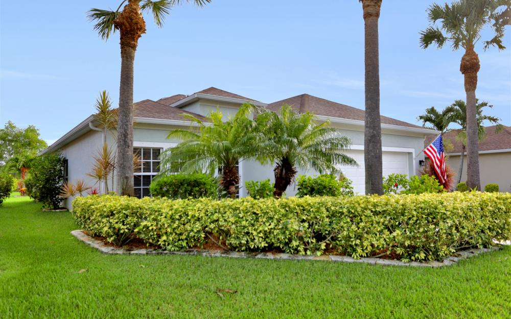 9722 Mendocino Dr, Fort Myers - Home For Sale 2130457277