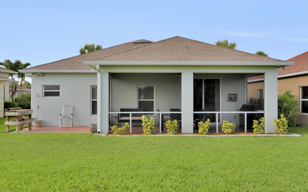 9722 Mendocino Dr, Fort Myers - Home For Sale 1067685237