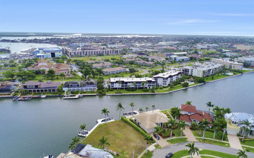 764 Hull Ct, Marco Island - Lot For Sale 1843692439