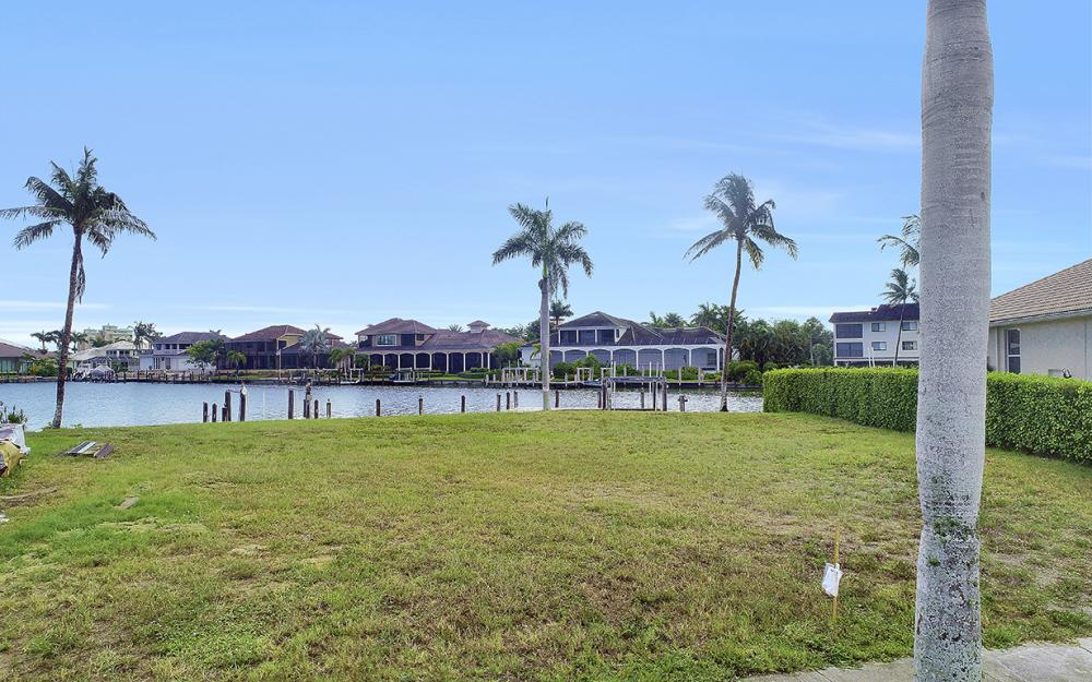 764 Hull Ct, Marco Island - Lot For Sale 718685557