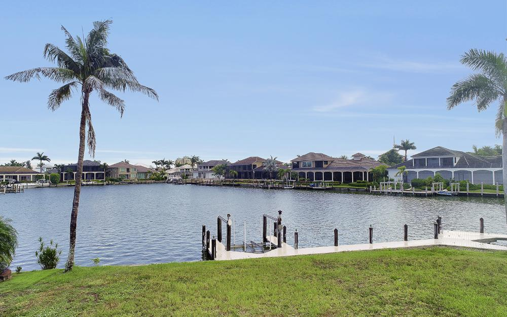 764 Hull Ct, Marco Island - Lot For Sale 933949772