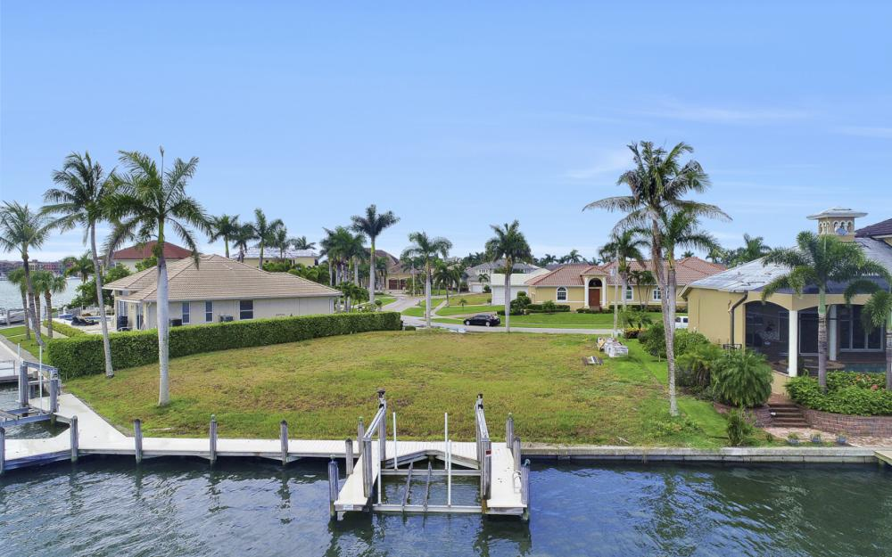 764 Hull Ct, Marco Island - Lot For Sale 2012735543