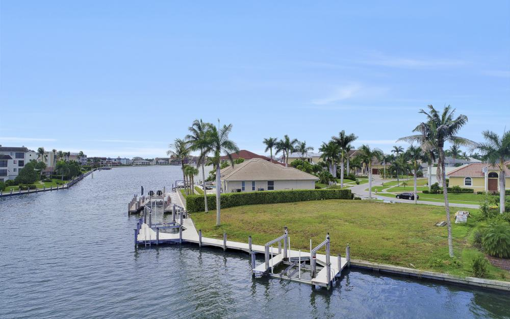 764 Hull Ct, Marco Island - Lot For Sale 330625801