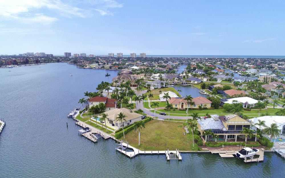 764 Hull Ct, Marco Island - Lot For Sale 619322119