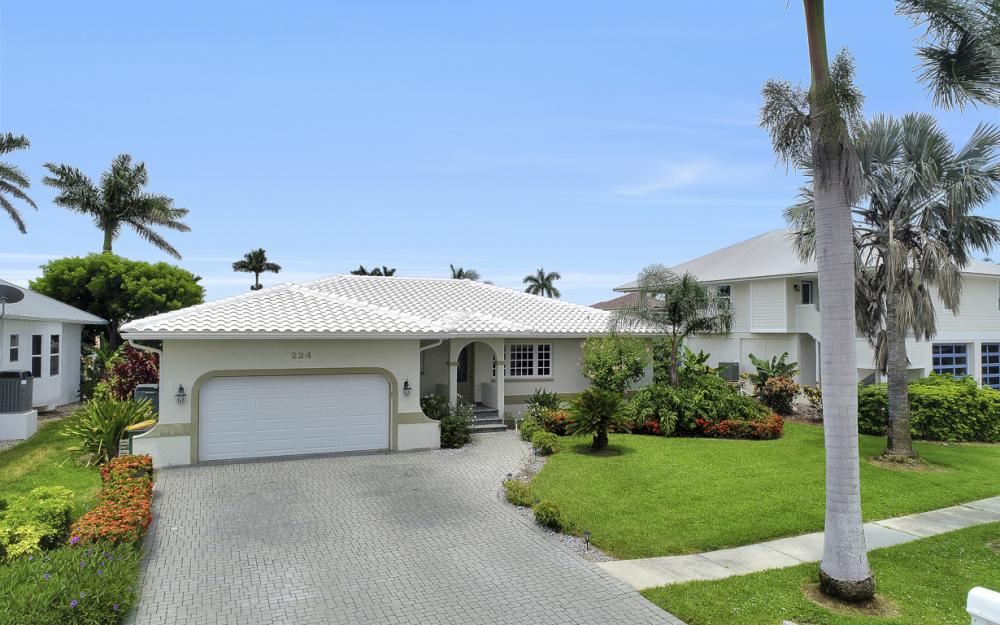 224 Seahorse Ct, Marco Island -Home For Sale 1093554574