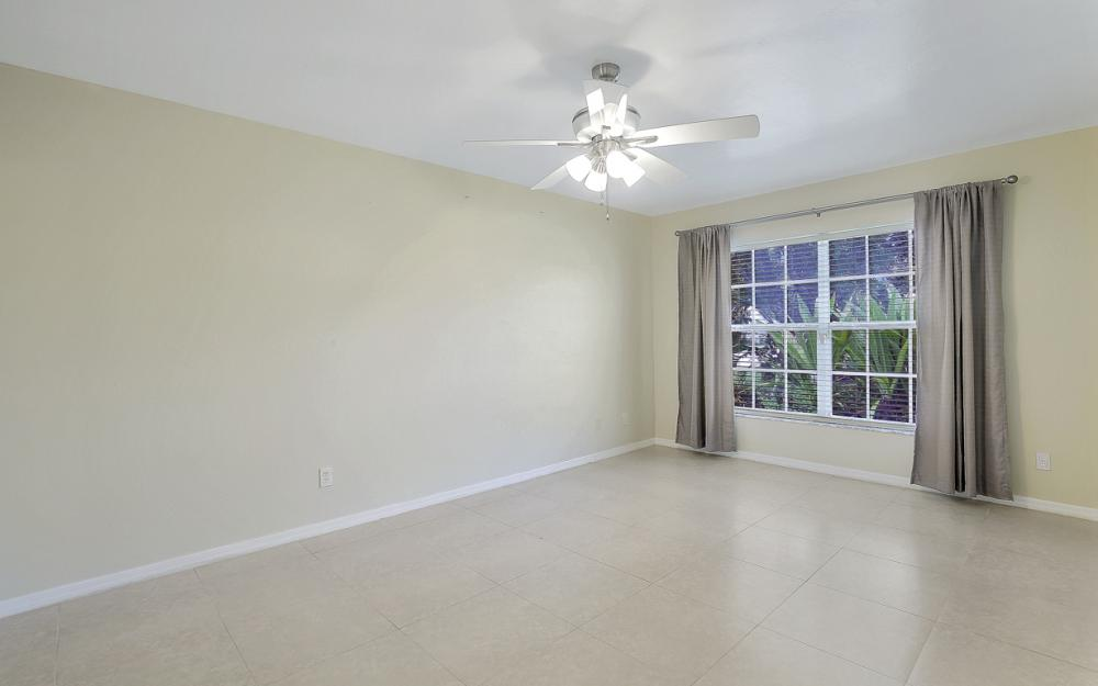 9750 Country Oaks Dr, Fort Myers - Home For Sale 108282014