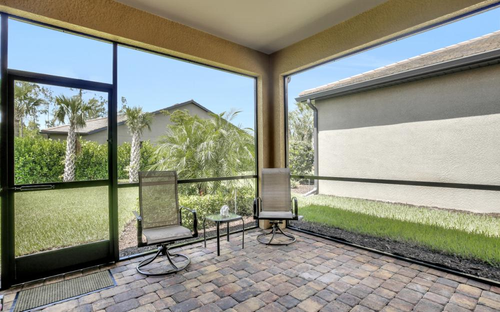 12066 Winfield Cir, Fort Myers - Home For Sale 337116202