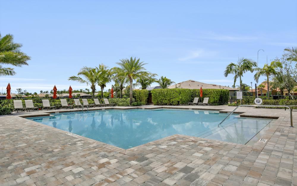 12066 Winfield Cir, Fort Myers - Home For Sale 2135073011