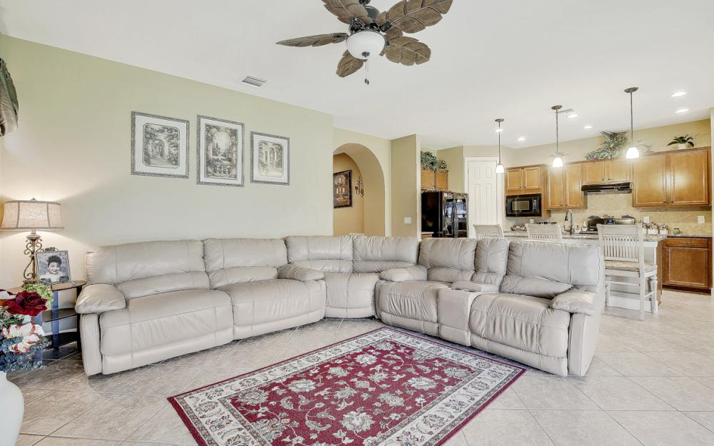 12066 Winfield Cir, Fort Myers - Home For Sale 799402805