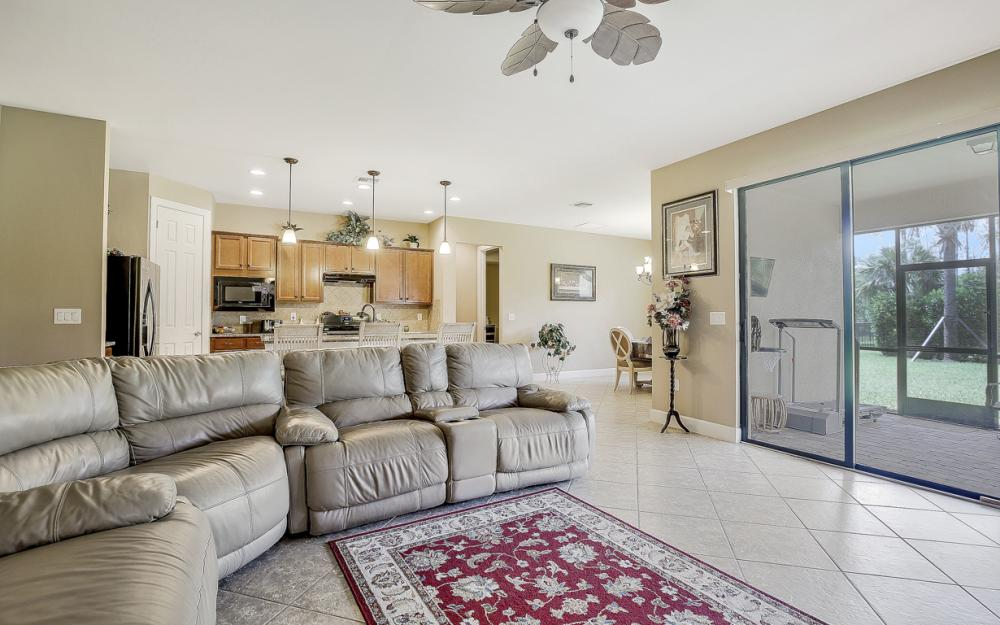 12066 Winfield Cir, Fort Myers - Home For Sale 1920243451