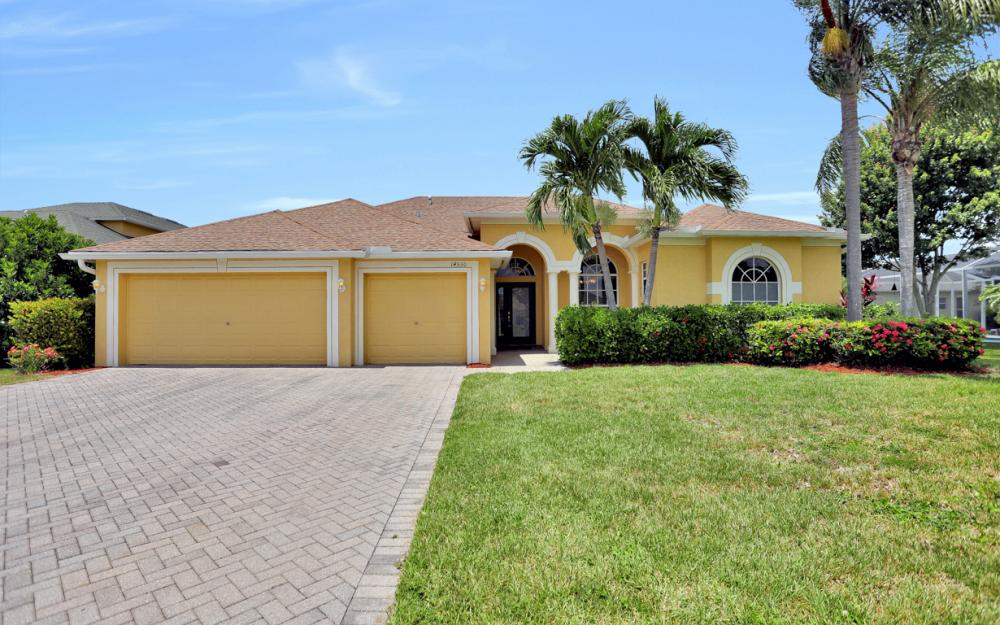 14530 Calusa Palms Dr, Fort Myers - Home For Sale 1352178948