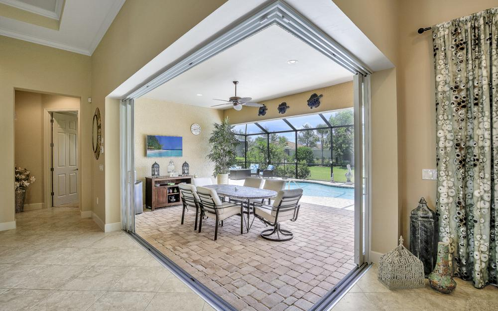 9286 Quarry Dr, Naples - Home For Sale 914585772