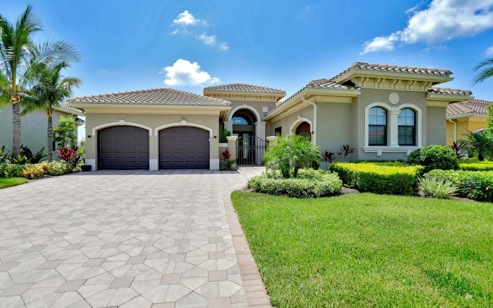 2757 Crystal Way, Naples - Home For Sale 1827839198