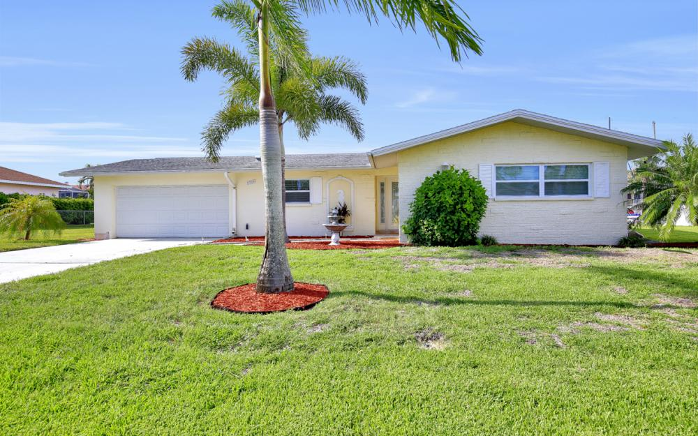 1705 SE 43rd St, Cape Coral - Home For Sale 1416034951