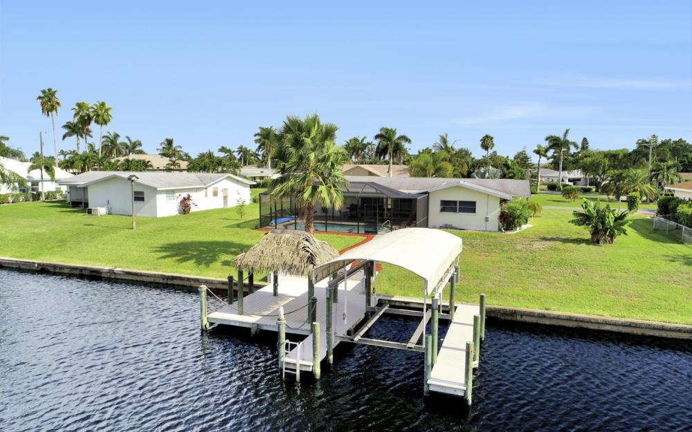 1705 SE 43rd St, Cape Coral - Home For Sale 35007828