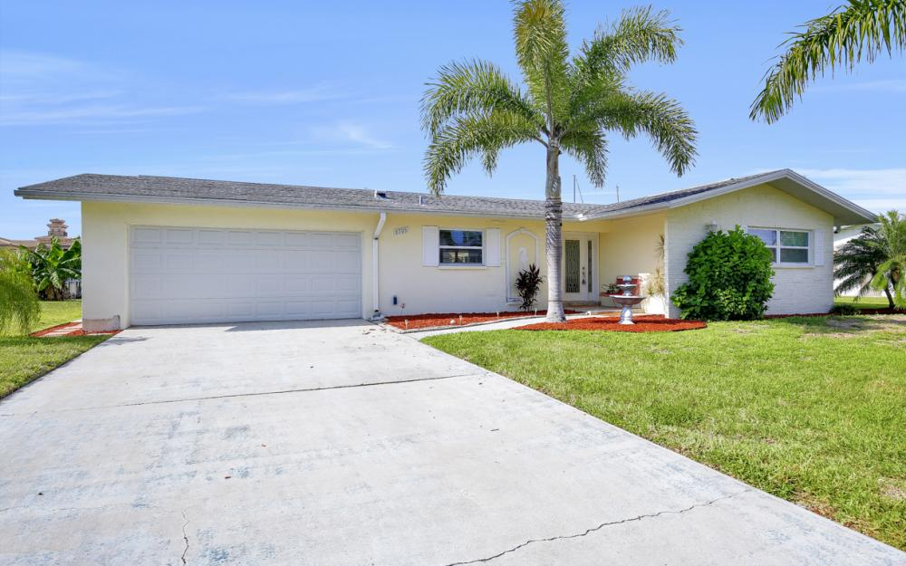 1705 SE 43rd St, Cape Coral - Home For Sale 2101510139