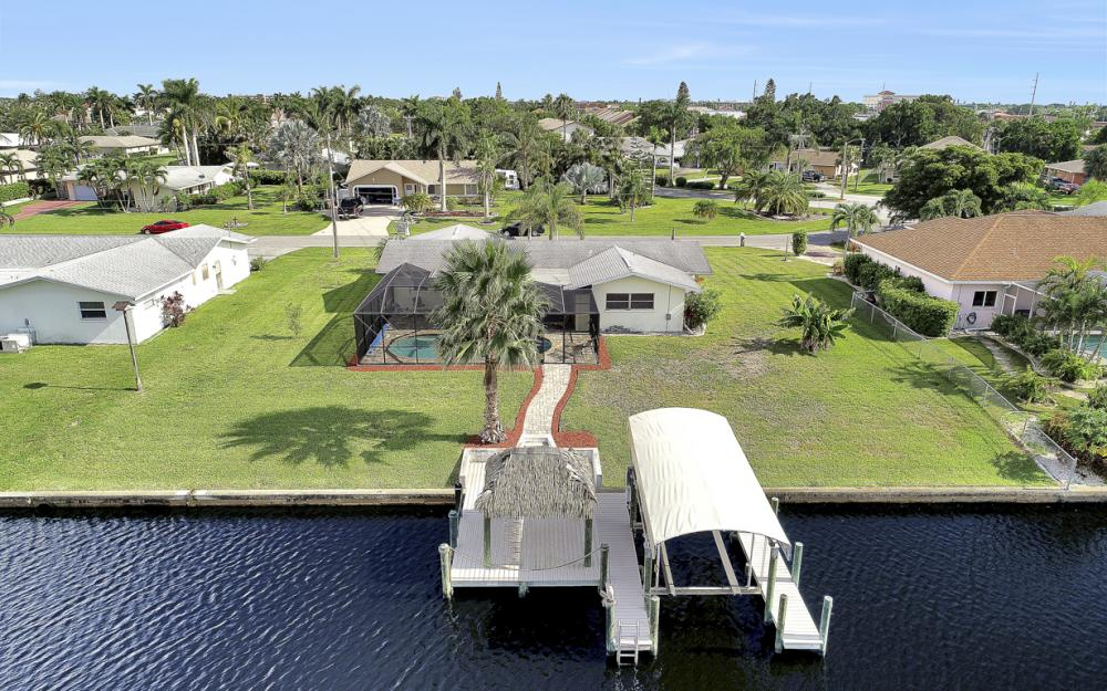 1705 SE 43rd St, Cape Coral - Home For Sale 1946747872