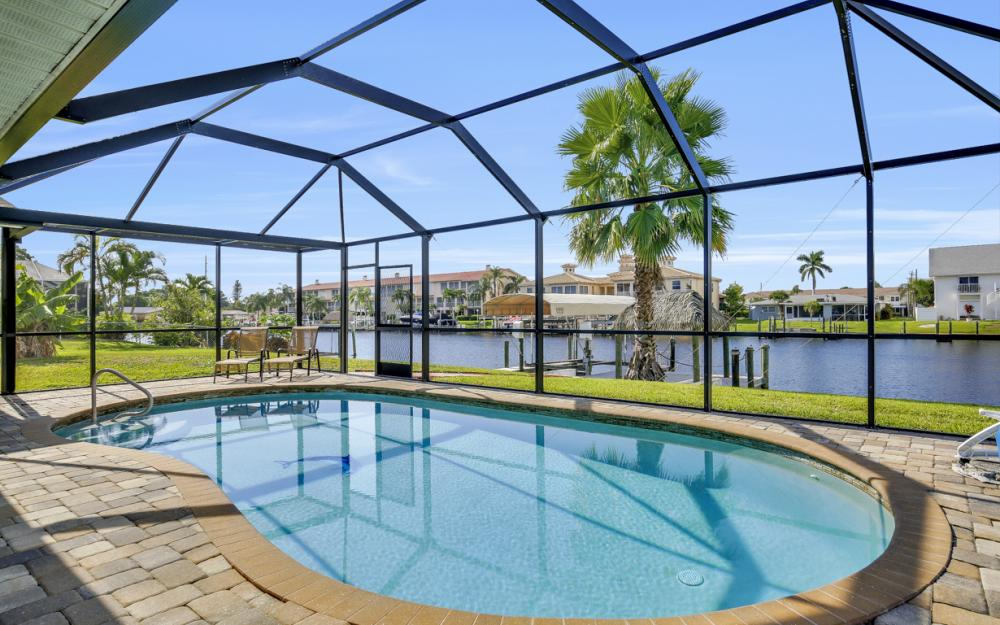 1705 SE 43rd St, Cape Coral - Home For Sale 727113267