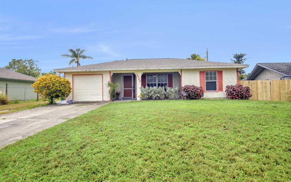 2926 47th St SW, Naples - Home For Sale 737248828