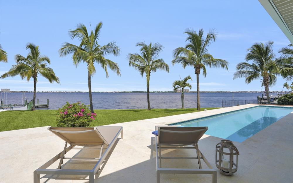5625 Riverside Dr Cape Coral - Home For Sale 2138268985