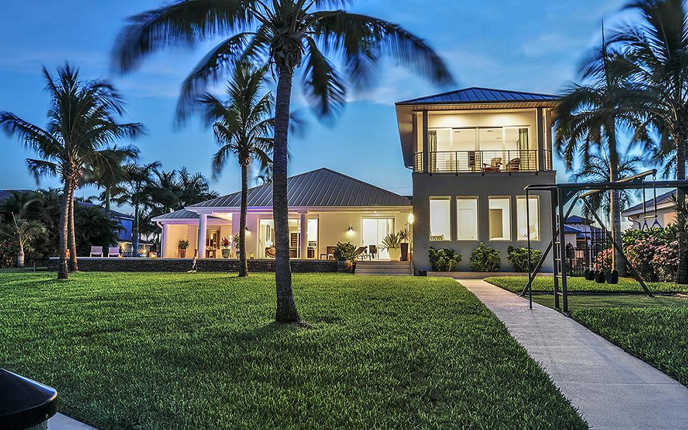 5625 Riverside Dr Cape Coral - Home For Sale 1872964446