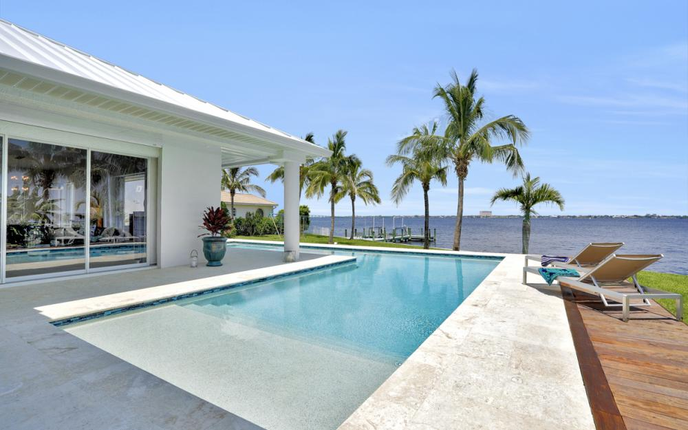5625 Riverside Dr Cape Coral - Home For Sale 1720317997