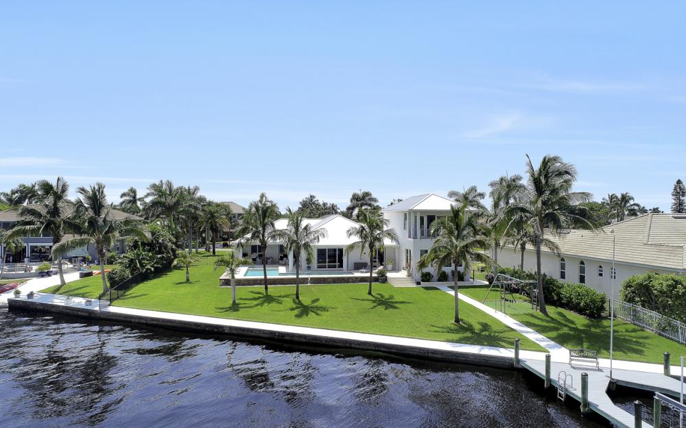 5625 Riverside Dr Cape Coral - Home For Sale 1950571207
