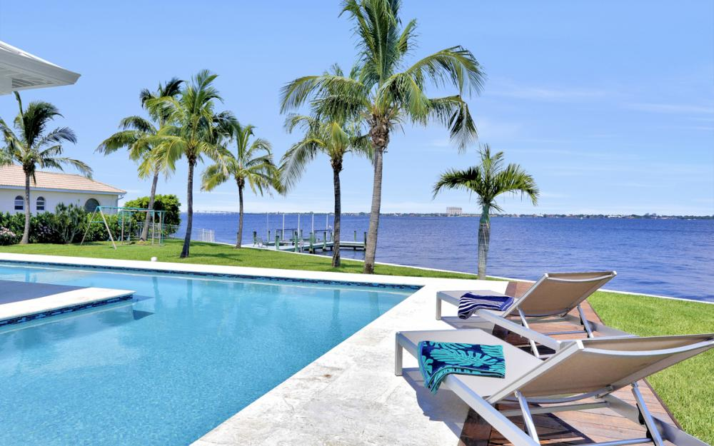5625 Riverside Dr Cape Coral - Home For Sale 711726580