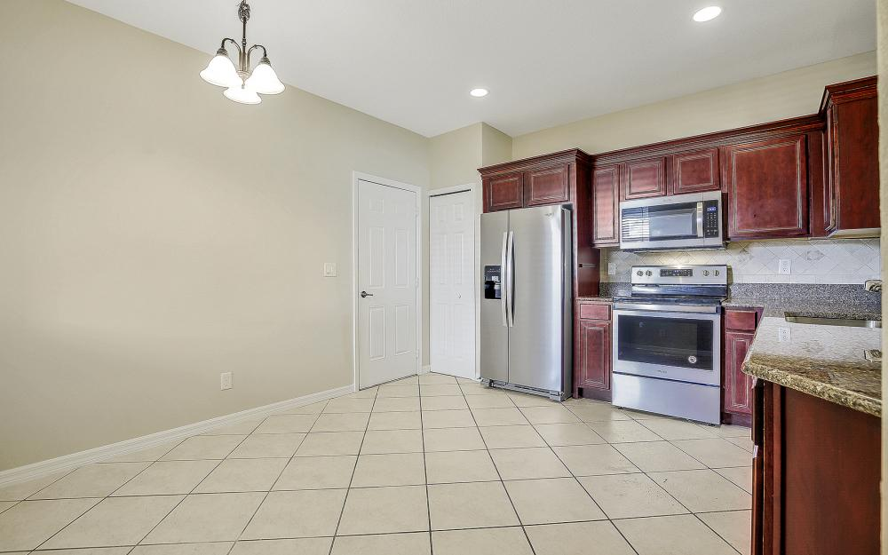 9569 Roundstone Cir,Fort Myers - Home For Sale 815081104