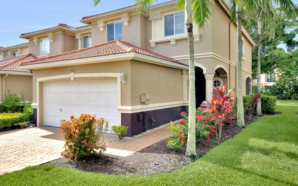 9569 Roundstone Cir,Fort Myers - Home For Sale 1281512965