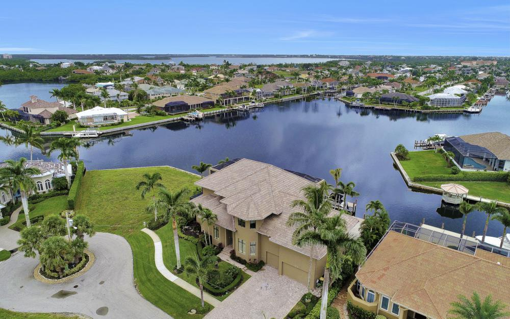 130 Hollyhock Ct, Marco Island - Home For Sale 861281433