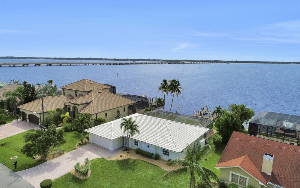 2530 SE 28th St, Cape Coral - Home For Sale 300853200