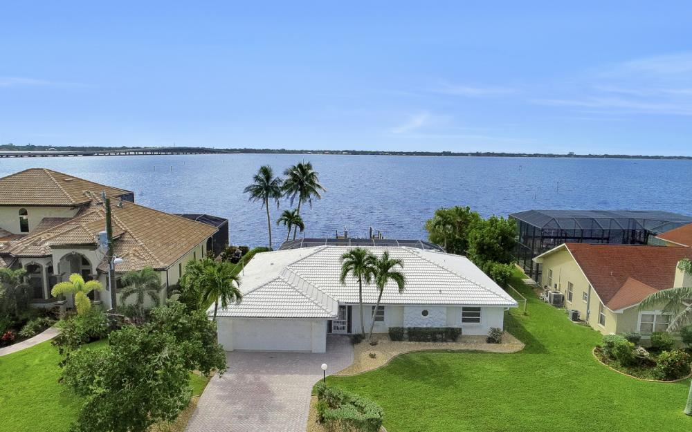 2530 SE 28th St, Cape Coral - Home For Sale 275089011