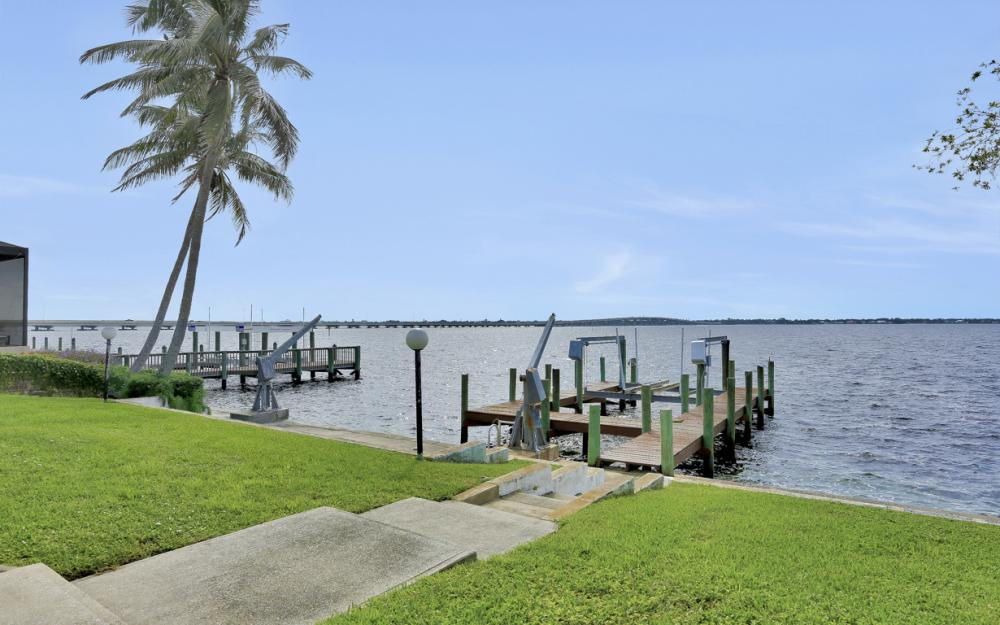 2530 SE 28th St, Cape Coral - Home For Sale 215426489