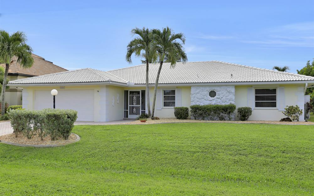 2530 SE 28th St, Cape Coral - Home For Sale 506698139