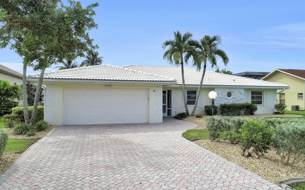 2530 SE 28th St, Cape Coral - Home For Sale 260174562