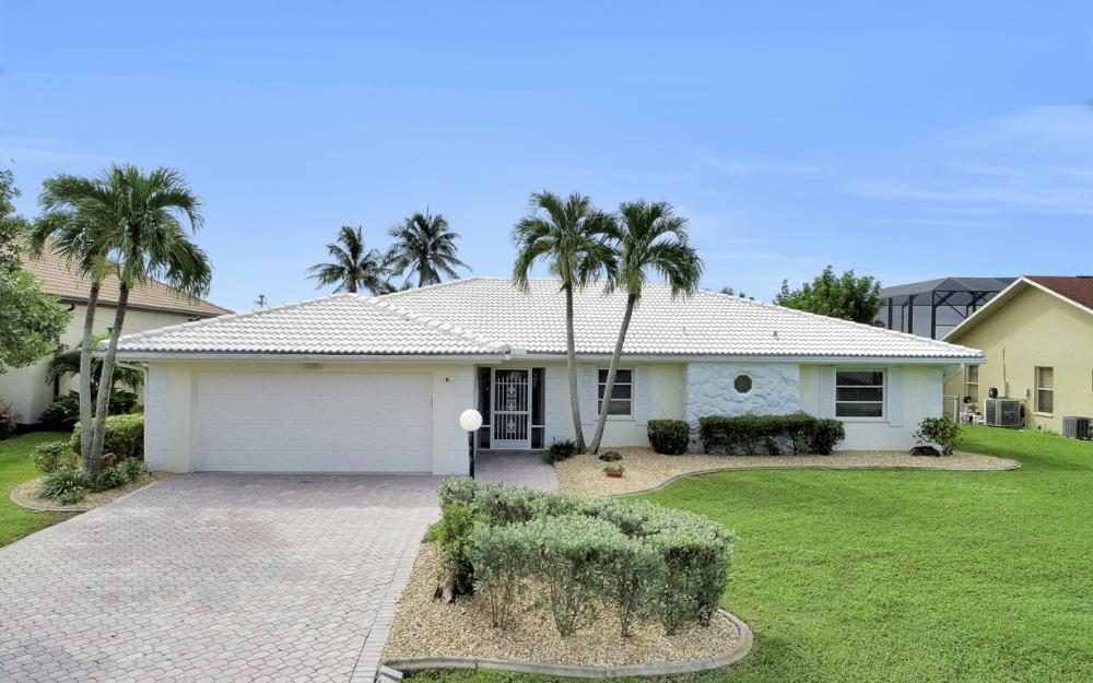 2530 SE 28th St, Cape Coral - Home For Sale 1017687670