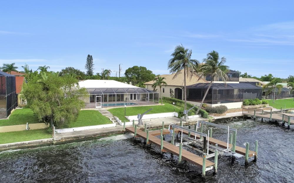 2530 SE 28th St, Cape Coral - Home For Sale 2119631964
