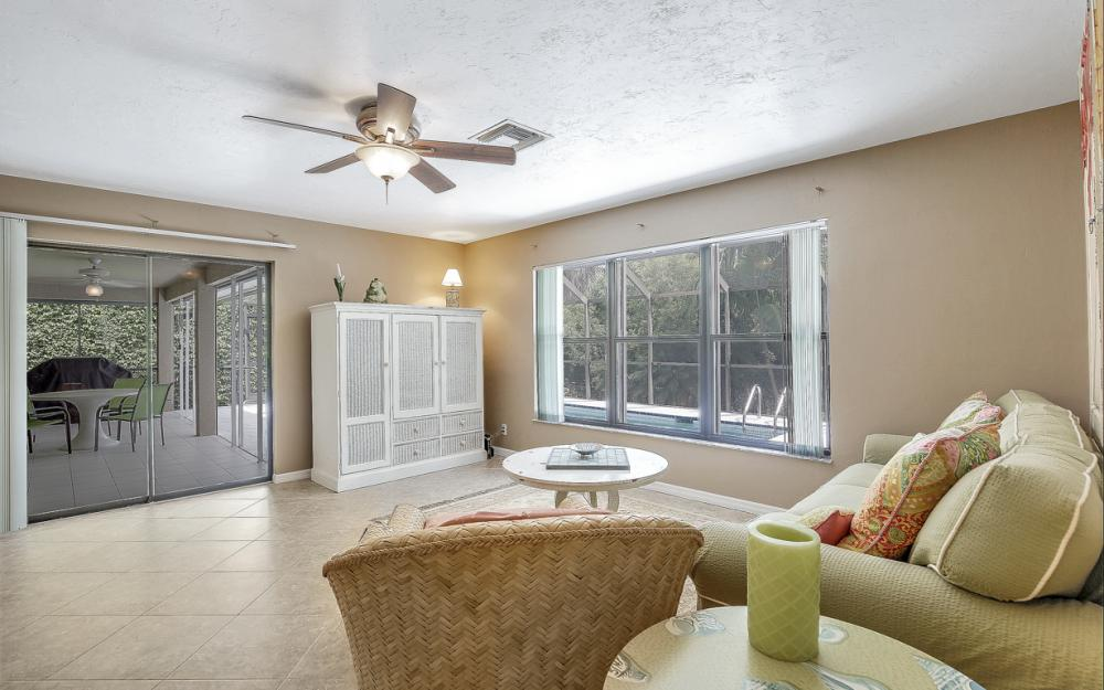 364 Colonial Ave, Marco Island - Home For Sale 31365501