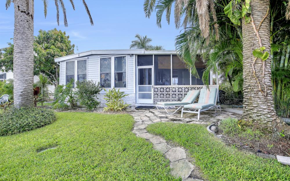 11360 Dogwood Ln, Fort Myers Beach - Home For Sale 460738363