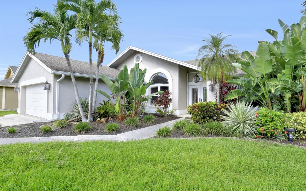 14941 Mahoe Ct, Fort Myers - Home For Sale 1238505059