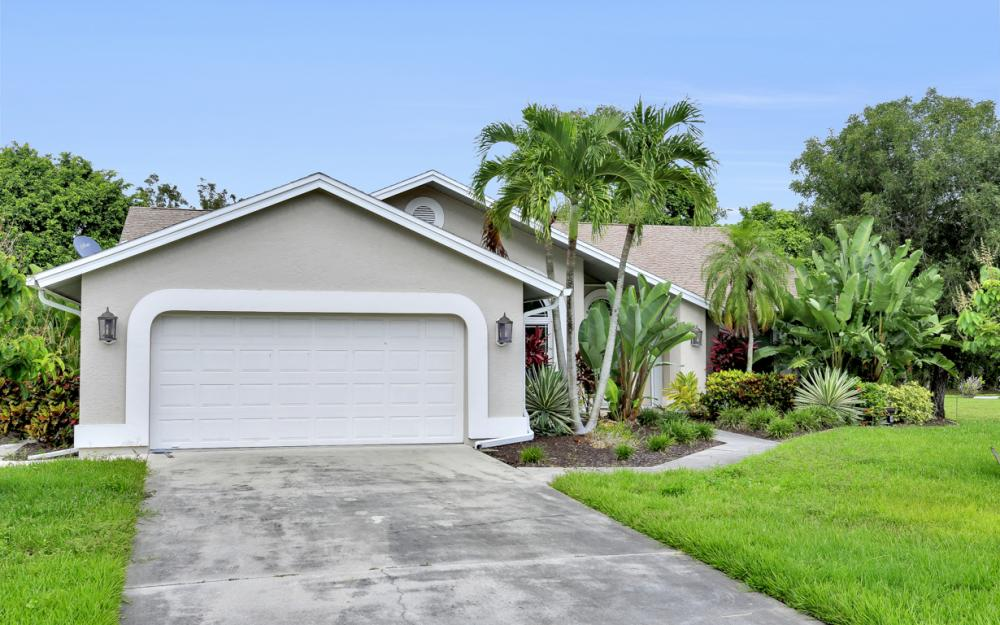 14941 Mahoe Ct, Fort Myers - Home For Sale 567274837