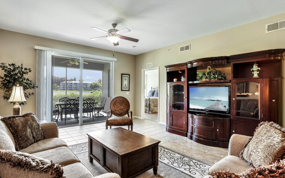 16685 Lake Circle Dr #1012, Fort Myers - Condo For Sale 1330982882