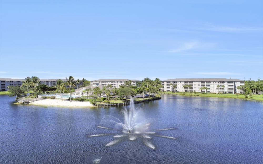 16685 Lake Circle Dr #1012, Fort Myers - Condo For Sale 1124132965